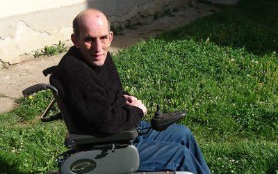 Електро-моторна колица Срђану Срејићу из Трстеника омогућава самостално кретање