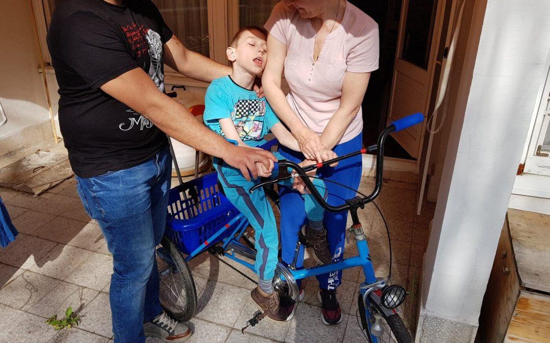 Ђорђу Ирићу из Београда уручен ортопедски трицикл