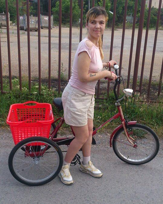 Данијела Стојадиновић добила свој ортопедски трицикл