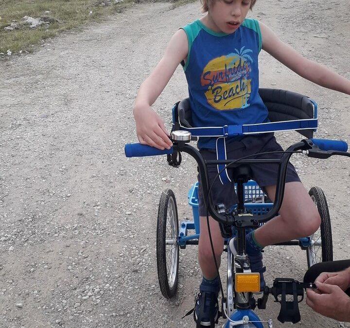 Василије Станковић из Врања добио свој ортопедски трицикл