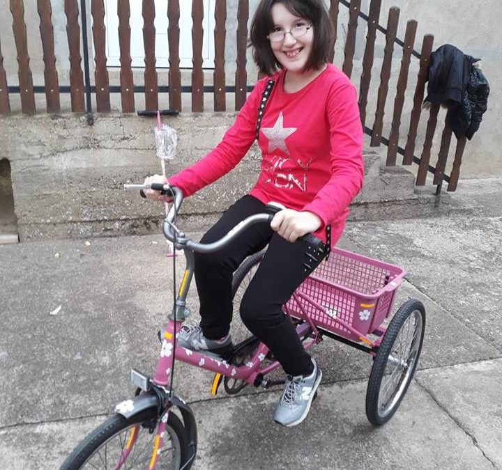 Наша нова другарица, Сања Витас из Инђије добила свој ортопедски трицикли